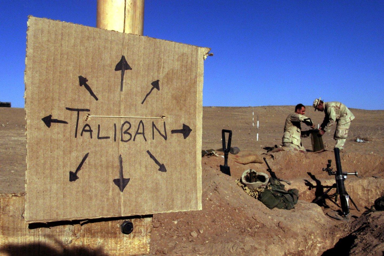 Nepaisant centrinės valdžios pastangų, Talibanas tebėra tikrieji kai kurių Afganistano teritorijų valdovai.<br>REUTERS/Scanpix nuotr.