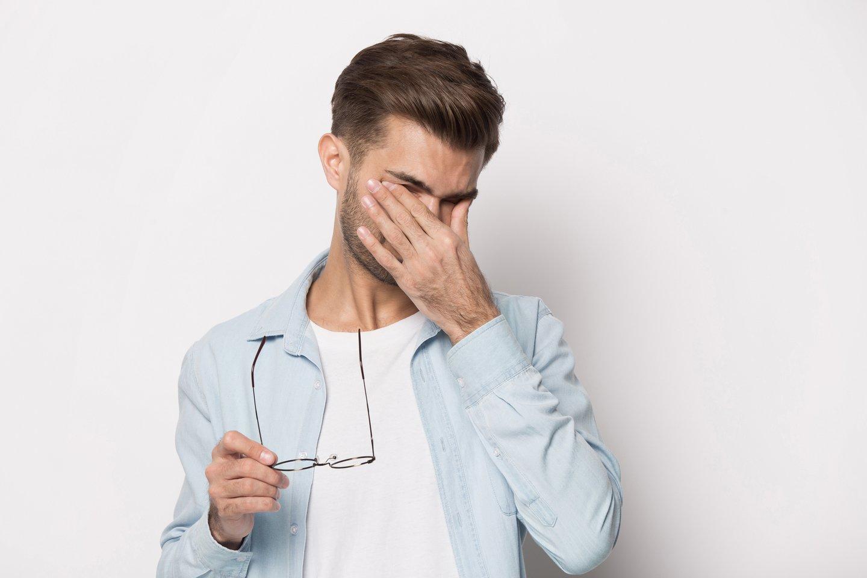 Tarp dažniausių pacientų nusiskundimų pirmauja akių sausumas.<br>123rf nuotr.