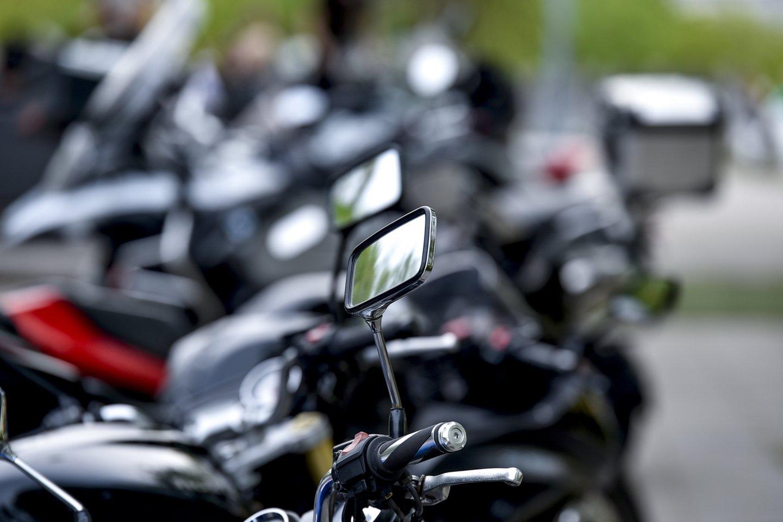 Kad būtų išvengta žūčių keliuose, Kelių direkcija atkreipia dėmesį, ką turėtų prisiminti motociklų vairuotojai pradėdami sezoną?<br>V.Ščiavinsko nuotr.