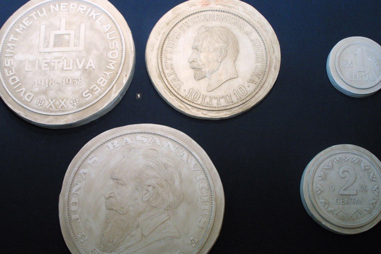 Didžiosios krizės metais (1929–1933) Lietuvos pinigas – litas – nebuvo nuvertintas, liko stabili valiuta.<br>M. Patašiaus nuotr.