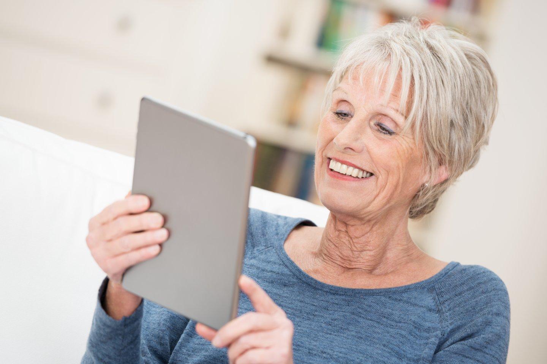 Vyresnio amžiaus asmenims neuroplastiškumo procesas vyksta sudėtingiau, bet nereiškia, kad jų smegenys vegetuoja.<br>123rf nuotr.