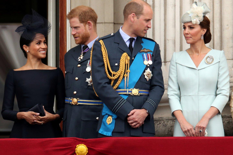 Princo Philipo laidotuvėse susitikę broliai princai Harry ir Williamas bus išskirti.<br>Scanpix/RS nuotr.