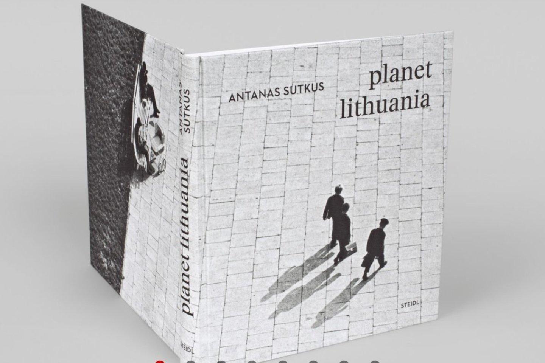 """Antano Sutkaus albumas """"Planeta Lietuva"""".<br>Leidyklos """"Steidl"""" nuotr."""