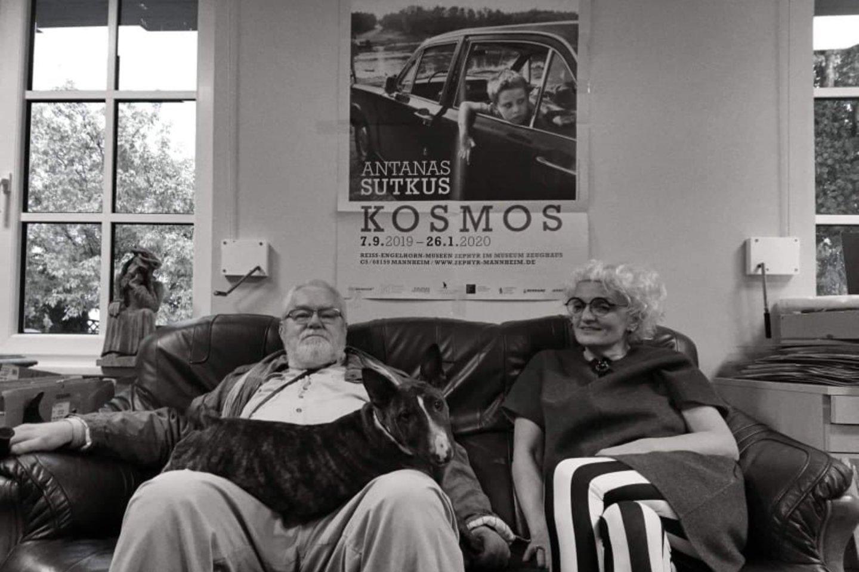 Antanas Sutkus namuose su savo žmona ir pagalbininke Rima.<br>A.Morozovo nuotr.