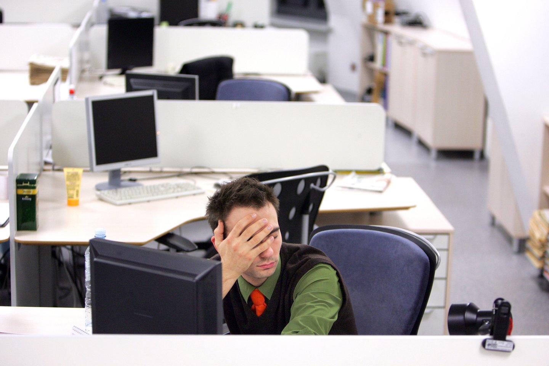 Specialistai atkreipia dėmesį, kad nuovargis, atsiradęs apatijos jausmas gali signalizuoti ir apie profesinį perdegimą.<br>V.Balkūno nuotr.