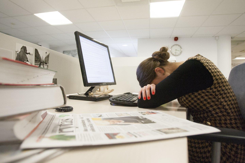 Specialistai atkreipia dėmesį, kad nuovargis, atsiradęs apatijos jausmas gali signalizuoti ir apie profesinį perdegimą.<br>J.Stacevičiaus nuotr.