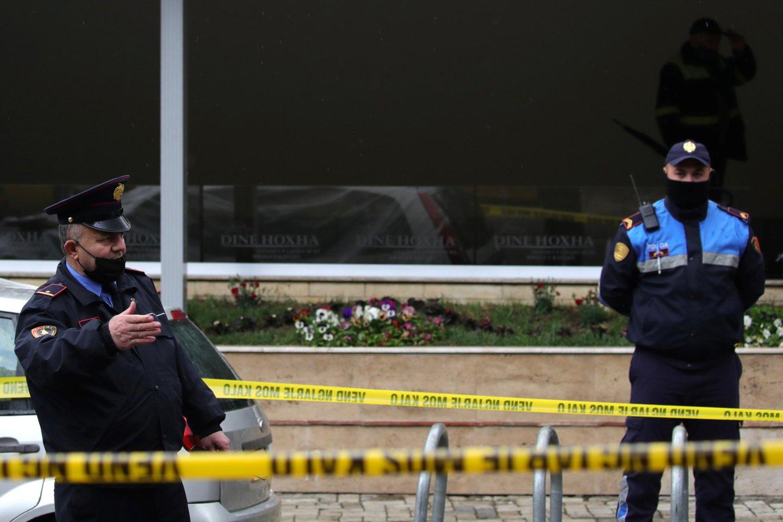 Manoma, kad tai yra pirmasis toks incidentas, įvykęs maldos namuose Albanijoje.<br>Reuters/Scanpix nuotr.