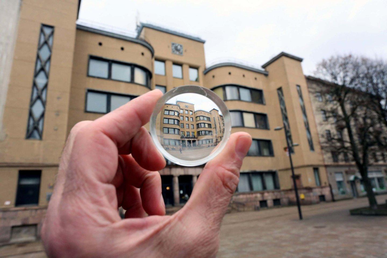 Kam turėtų būti naudojami Kauno ir Klaipėdos centrinių paštų pastatai, turėtų atsakyti galimybių studijos, sako kultūros ministras.<br>M.Patašiaus nuotr.