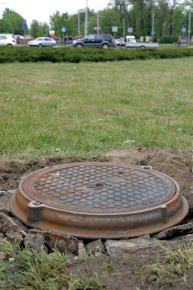 Aplinkos ministerijos kuriama Nuotekų tvarkymo informacinė sistema (NTIS) padės saugoti šalies vandens telkinius nuo taršos individualiai tvarkomomis nuotekomis ir pagerinti jų būklę. Joje fiksuojami duomenys aiškiai parodys, kaip sklypo savininkas tvarko nuotekas, ar neviršija taršos normų.<br>V.Balkūno nuotr.