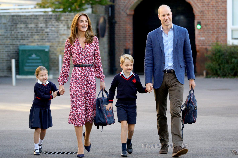 Catherine Middleton ir princas Williamas su vaikais.<br>Scanpix nuotr.