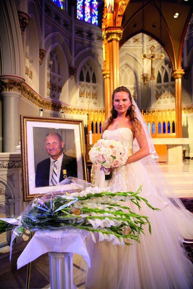 J.Grigas nespėjo sulaukti vienintelės dukters Gintarės vestuvių.<br>Nuotr. iš asmeninio albumo
