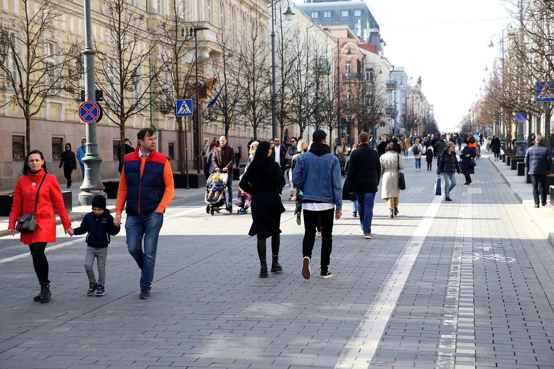 žmonės,karantinas,koronavirusas,miestas,gamta<br>R.Danisevičiaus nuotr.