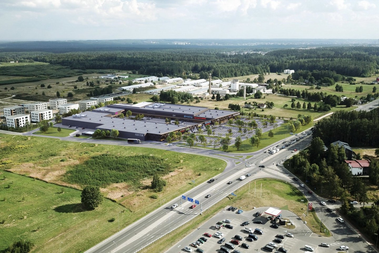 Vilniaus miesto savivaldybės Vyriausiojo miesto architekto skyrius pritarė prekybos centro šalia Molėtų plento projektiniams pasiūlymams.<br>Vizual.