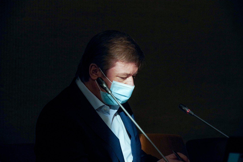 Pats valstiečiųlyderis R.Karbauskis mano, kad ši Ateities komitete ketinama svarstyti iniciatyva yra nukreipta prieš jį asmeniškai.<br>V.Ščiavinsko nuotr.