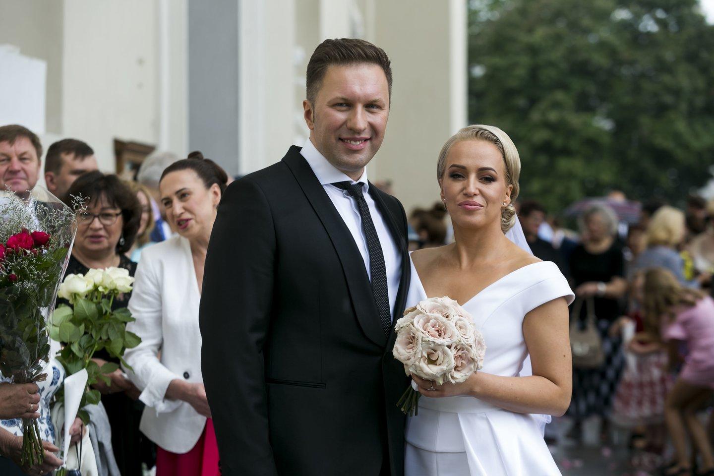 Elena Puidokaitė-Bruzgulienė su vyru Tadu Bruzguliu sulaukė šeimos pagausėjimo.<br>LR archyvo nuotr.