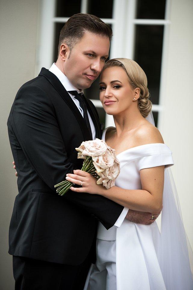 Elena Puidokaitė-Bruzgulienė su vyru Tadu Bruzguliu sulaukė šeimos pagausėjimo.<br>D.Kučio nuotr.