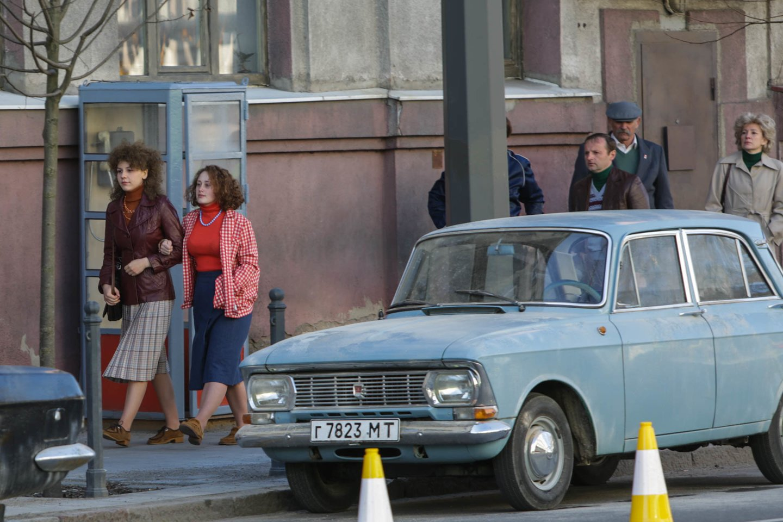 """Viską gyvai išgyvenusio ir patyrusio autoriaus žmonės dažnai klausinėja apie filme """"Černobylis"""" rodytas scenas. Nuotraukose - filmavimo akimirkos.<br>G.Bitvinsko nuotr."""