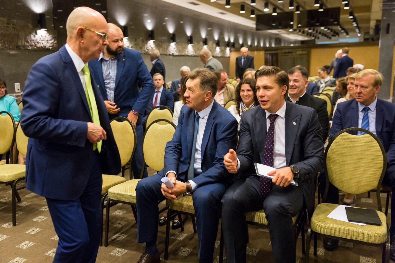 LSDP suvažiavimas: Algirdas Butkevičius, Mindaugas Sinkevičius, Antanas Vinkus<br>T.Bauro nuotr.