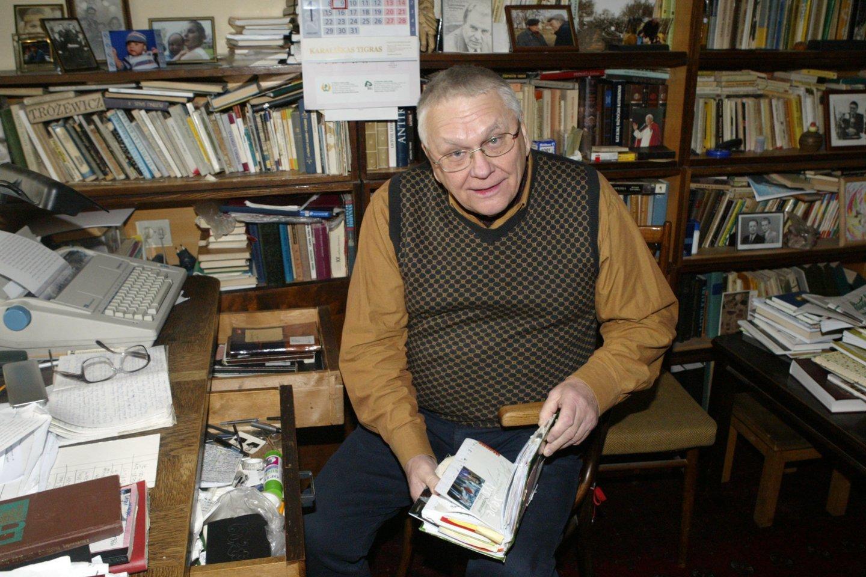 Poetas A.Baltakis pernai išleido eilėraščių knygą.<br>V.Kapočiaus nuotr.