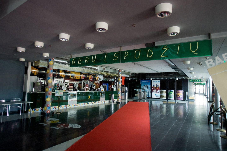 Atnaujinti veiklą skuba ne visi kino teatrai.<br>D.Umbraso asociatyvi nuotr.