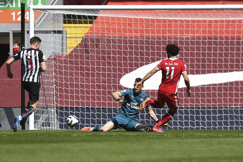 """M.Salah įmušė pirmąjį mačo įvartį į """"Newcastle"""" ekipos vartus.<br>Reuters/Scanpix.com. nuotr."""