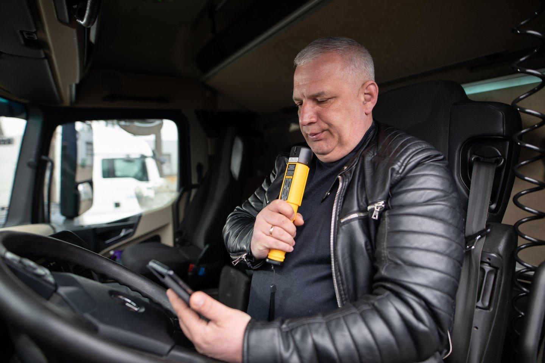 Sunkiasvorių transporto priemonių vairuotojams yra taikoma 0 promilių alkoholio riba, nepaisant to, vien pernai šią taisyklę pažeidė 400 vairuotojų.<br>Pranešėjų spaudai nuotr.