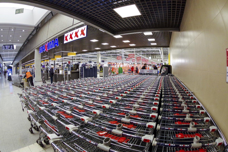 """Nuo gegužės 1 dienos ilginamas dalies prekybos tinklo """"Maxima"""" parduotuvių darbo laikas.<br>V.Ščiavinsko nuotr."""