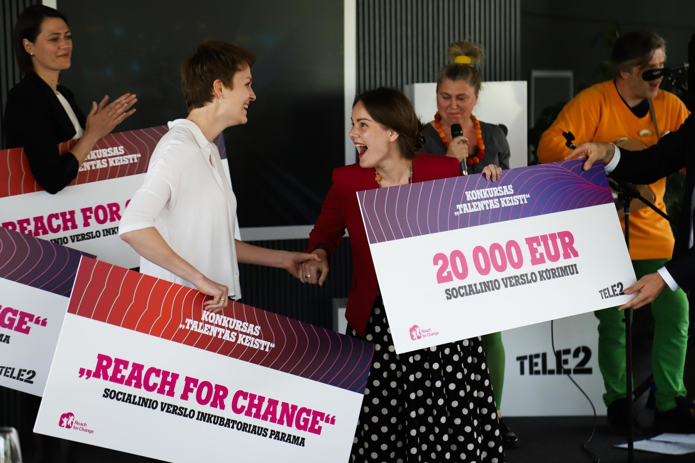 """Norėdamos padėti tėvams pasinaudoti šiuo jų vaikams ypatingu laikotarpiu, Marija Dautartaitė ir Ona Marija Vyšniauskaitė sukūrė unikalią socialinę iniciatyvą """"MaMaDu""""<br>Pranešimo spaudai nuotr."""