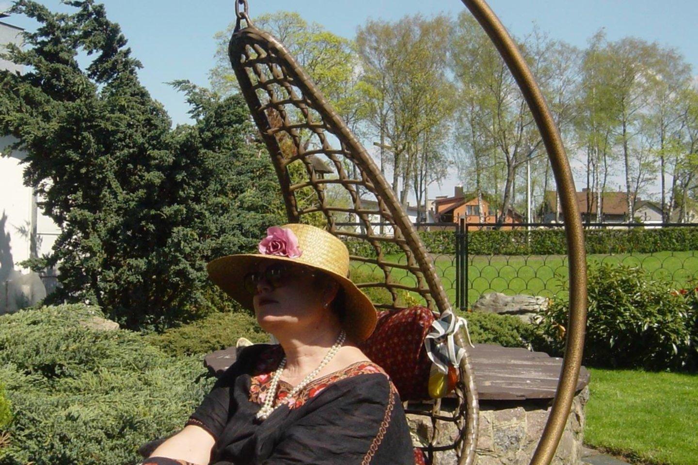 Sodyboje Karmėlavoje visus augalus dainininkė pasodino pati.<br>Asmeninio albumo nuotr.
