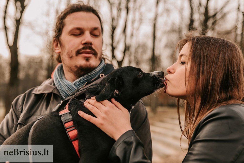"""""""Rožė labai mėgsta muziką, jos mėgstamiausias muzikinis žanras – sunkusis metalas"""", – sako Emilija ir Modestas.<br>G.Kniežaitės Novikovienės nuotr."""