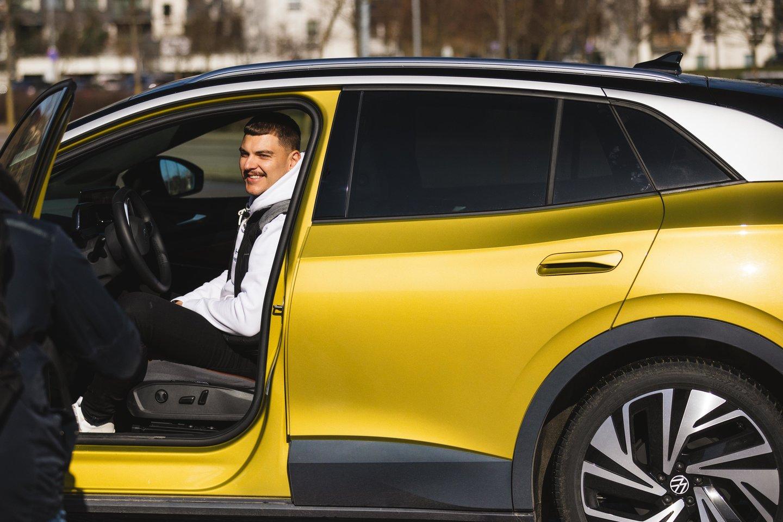 Rolandas Mackevičius atskleidė kokios savybės tikisi iš elektromobilių.<br>J.Lengvino nuotr.
