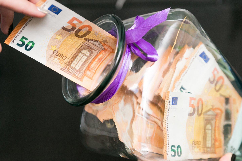 Vyriausybė pritarė išvadai nedidinti valstybės remiamų pajamų ir šalpos pensijų bazės dydžių.<br>T.Bauro nuotr.