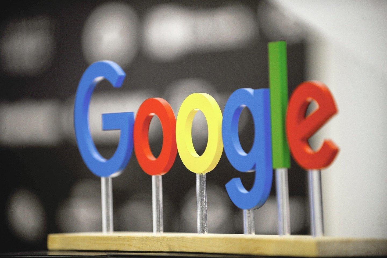 """JAV technologijų milžinė """"Google"""" trečiadienį pradėjo teisinę kovą aukščiausiame Didžiosios Britanijos teisme, siekdama užblokuoti kolektyvinį ieškinį, kuriame teigiama, kad bendrovė neteisėtai rinko milijonų """"iPhone"""" naudotojų duomenis.<br>""""Scanpix"""" nuotr."""