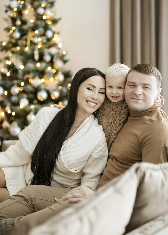 Greta Lebedeva su vyru Aleksandru ir sūnumi Eldaru.<br>A.Razauskienės nuotr.