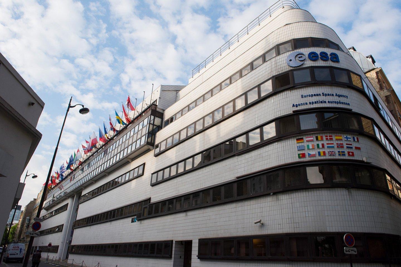 Lietuva taps asocijuota Europos kosmoso agentūros (EKA) nare – ekonomikos ir inovacijų ministrė Aušrinė Armonaitė pasirašė narystės sutartį.<br>ESA nuotr.