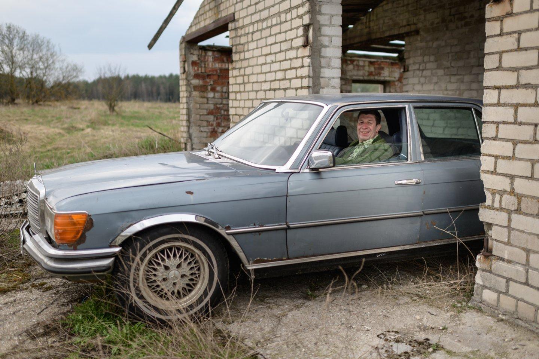 A.Nedzinskas atsisveikino su nemaža kolekcija turėtų senovinių transporto priemonių.<br>V.Skaraičio nuotr.