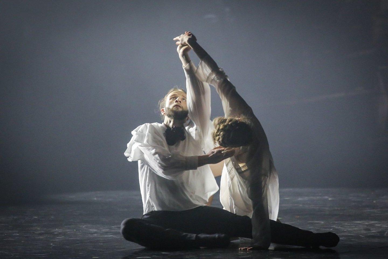 """""""Dėmesio! Baletas 2020"""" projektas antrą kartą atskleidžia jaunos ir veržlios Muzikinio teatro baleto trupės kūrybingumą.<br>Vytauto Petriko nuotr."""
