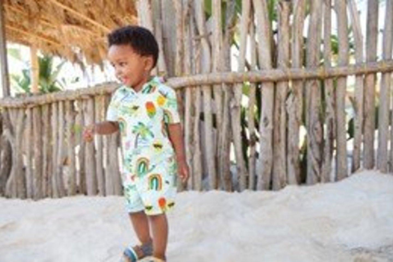 Į vaikų aprangos madas šis pavasaris atnešė naujų vėjų.