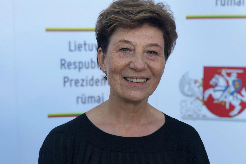 Komisijos narė L.Dabužinskaitė.