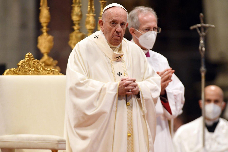 Popiežius Pranciškus pasiuntė dar vieną žinutę Vatikane dirbantiems kardinolams ir vyskupams.<br>ZumaPress.com/Scanpix nuotr.