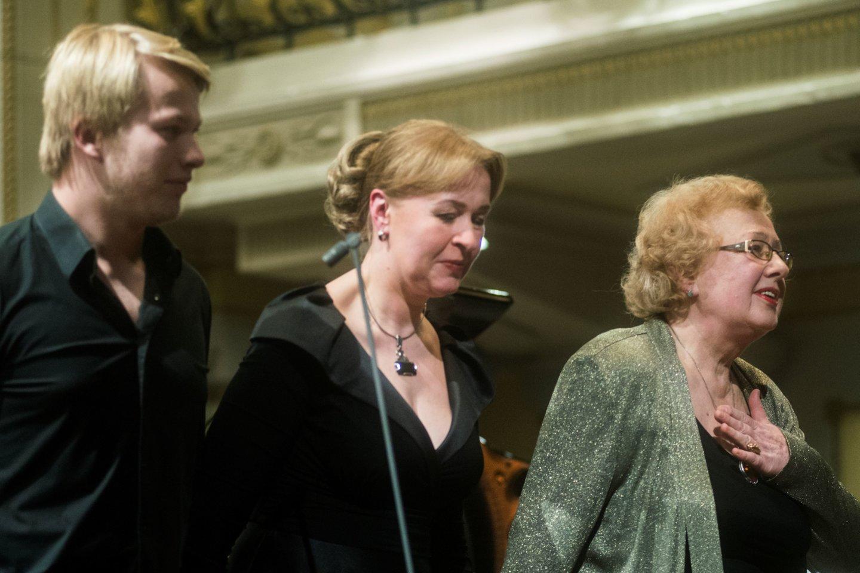 (Iš kairės) P.Anderssonas,A.Žvirblytė ir V.Vitaitė.<br>D.Matvejevo nuotr.