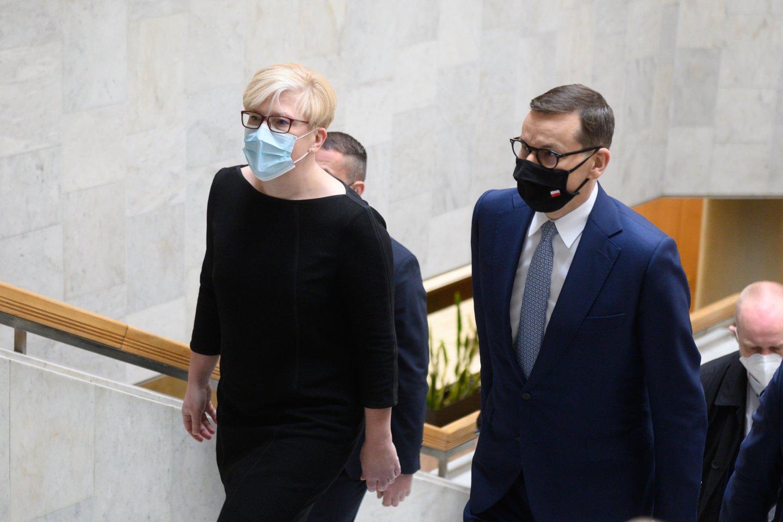 Sekmadienį į Lietuvą vizito atvyko Lenkijos premjeras Mateuszas Morawieckis, Vyriausybės rūmuose susitikęs su premjere Ingrida Šimonyte.<br>V.Skaraičio nuotr.
