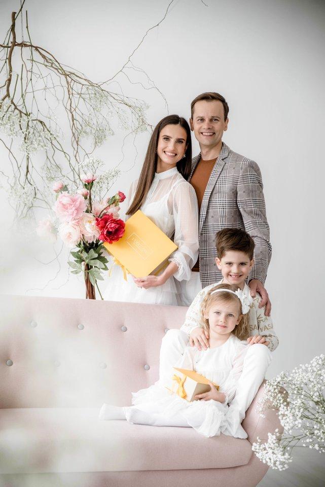 Agnės ir Nerijaus Juškų šeimoje – dviguba šventė.<br>Mile fotografija nuotr.