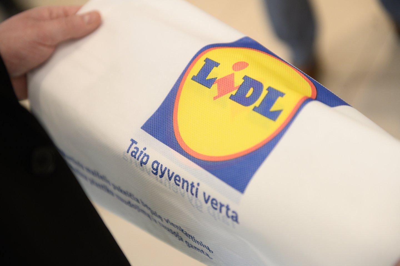 Prekybos tinklo administracijos darbuotojams bus kompensuojamos 300 eurų vertės išlaidos, reikalingos norint įsirengti jaukią ir komfortišką darbo vietą savo būste.<br>V.Skaraičio nuotr.