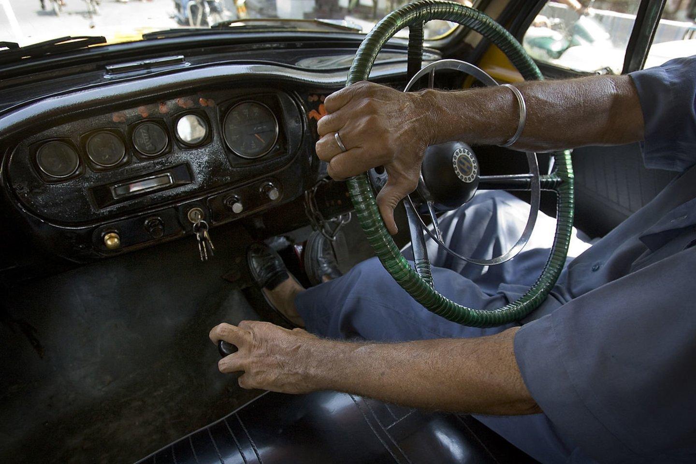 Vairavimas reikalauja nemažai protinių pastangų.<br>commons.wikimedia.org nuotr.