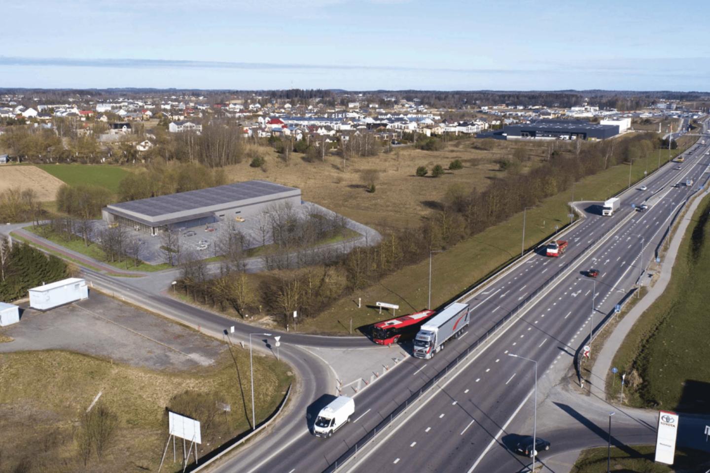 Vilniaus miesto savivaldybės Vyriausiojo miesto architekto skyrius pritarė prekybos centro Tarandės ir Ukmergės gatvių kampe statyboms.<br>Vizual.