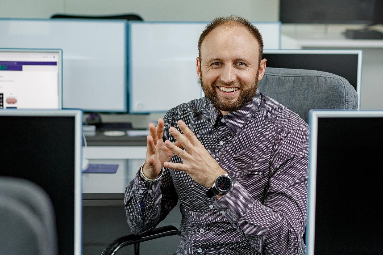 """""""Šypsenos akademijos"""" gydytojas odontologas Aidas Ligutis.<br>""""Šypsenos akademijos"""" nuotr."""