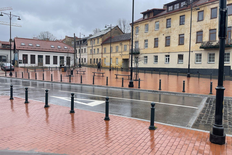 Paplaujos bendruomenė rimtai įpyko ir parengė peticiją, kad jų rajone lauko kavinei įrengti išduotas leidimas būtų atšauktas.<br>V.Ščiavinsko nuotr.