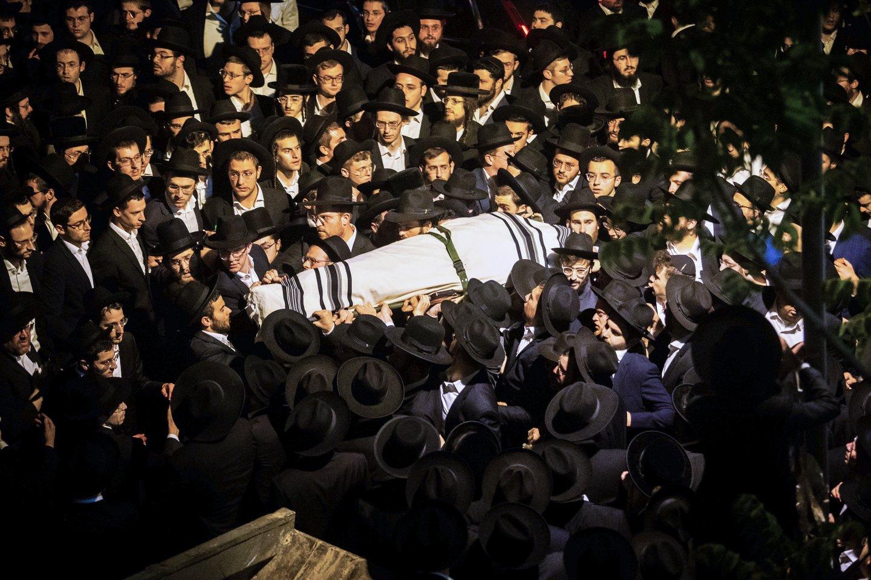 Tarp penktadienį spūstyje Merone Izraelio šiaurėje žuvusių žmonių yra mažiausiai 16 vaikų ir paauglių.<br>AP/Scanpix nuotr.