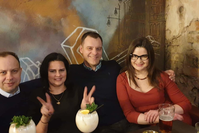 """Lina Bušinskaitė, Aurelijus Veryga, Odeta Vitkūnienė, Paulius Tamulionis naktiniame klube 2019 m.<br>""""Facebook"""" nuotr."""